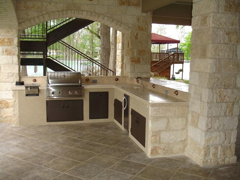 Outdoor-Küche - mit Grill und Arbeitsplatte